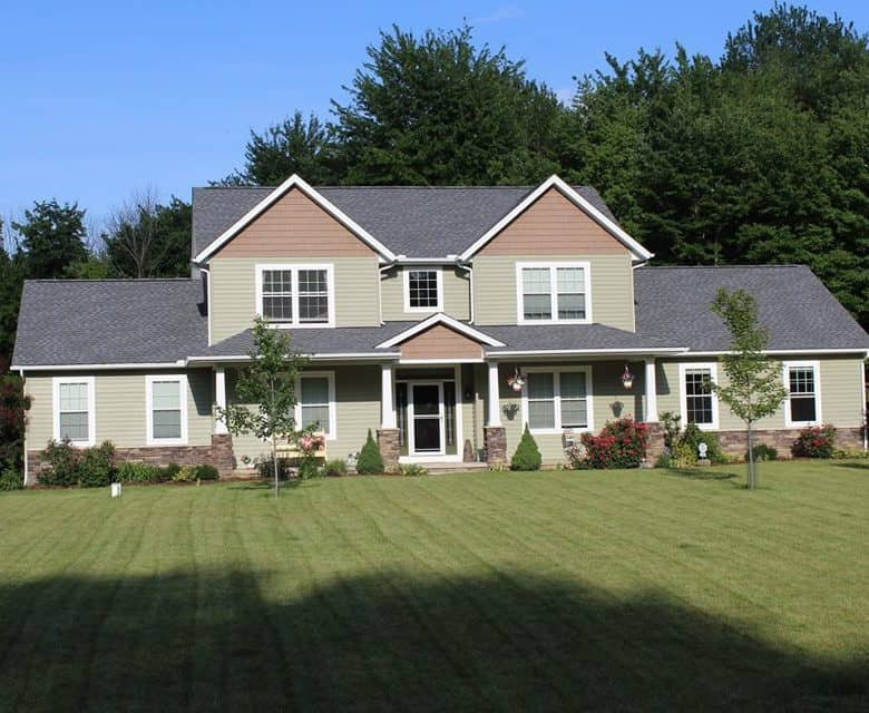 how to choose a roofer in fredericktown ohio home with asphalt shingles