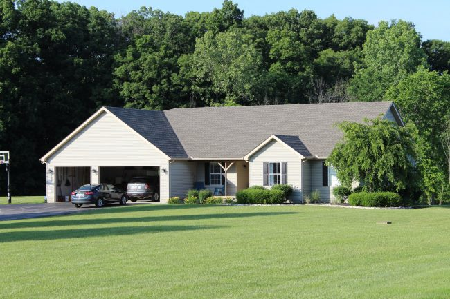 how to choose a roofer in fredericktown ohio home with asphalt roof